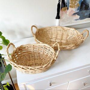 Vintage set of 2 woven wicker baskets / trays boho